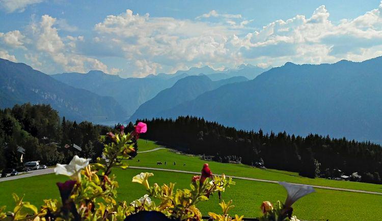 Ausblick vom Predigstuhl auf die umliegende Bergwelt. (© Horst Jahnke)