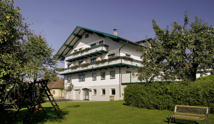 Landgasthof und Seminarhotel Kobleder in Mettmach - Außenansicht Haus. (© Seminarhotel Kobleder)