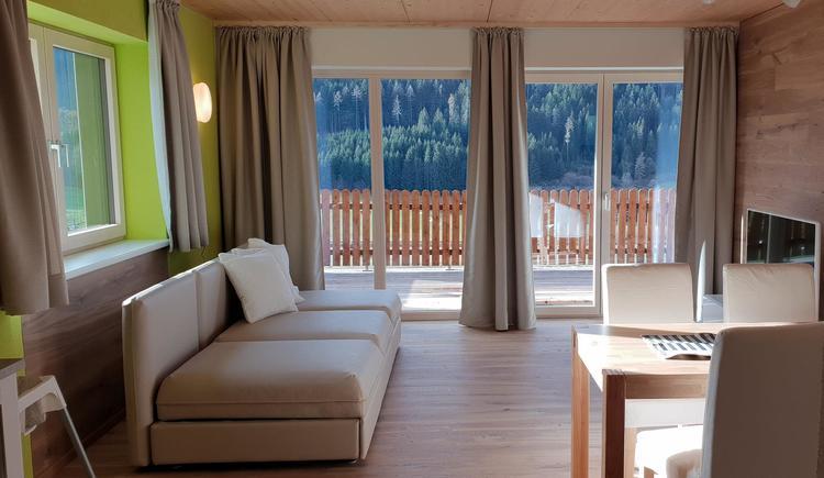 Wohnzimmer Mountain View Wood (© Ferienhaus Mountain View)
