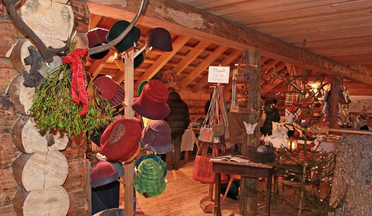 Jedes Jahr finden Sie hier Handwerkswaren aus dem Salzkammergut. (© Viorel Munteanu)