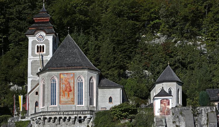 """Die Katholische Pfarrkirche \""""Maria am Berg\"""" in Hallstatt."""