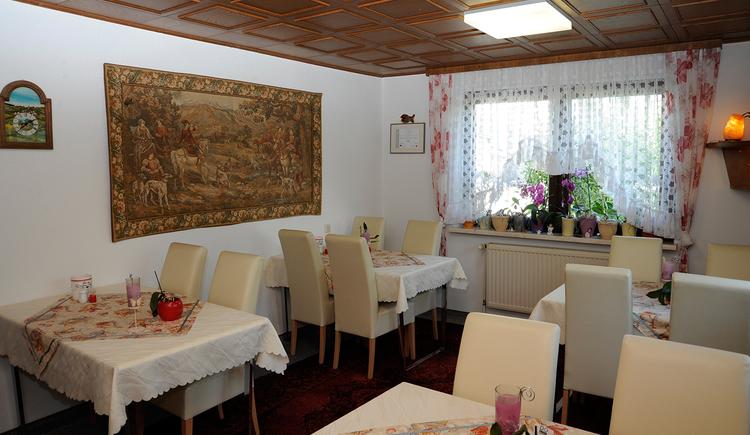 Haus Stuttgart in Obernberg am Inn - Aufenthalts- und Frühstücksraum