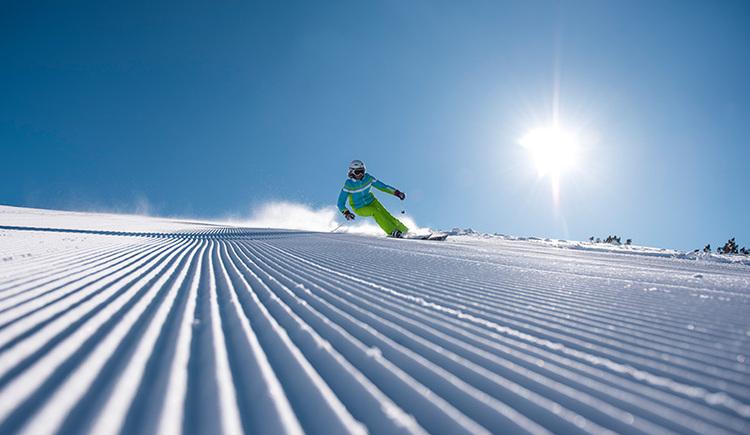 Skifahren auf der neuen Piste in Hinterstoder und Wurzeralm (© OÖ Tourismus/David Lugmayr)