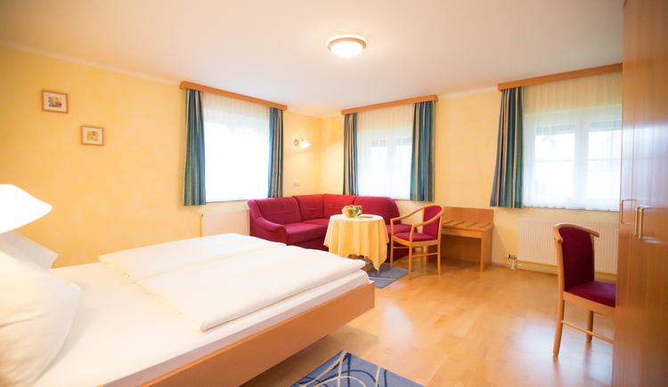 Dorm room, bed and breakfast Maria Theresa in Bad Goisern, Salzkammergut