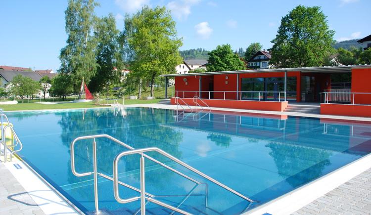 Schwimmen, Freibad