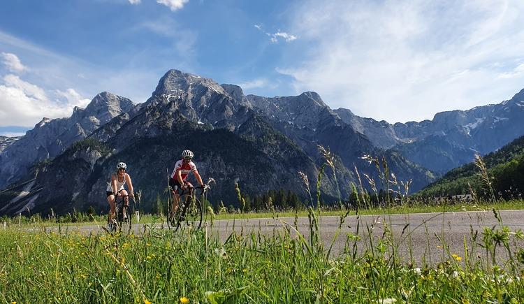 R11 Almsee mit Gebirge. (© Martin Trautwein)
