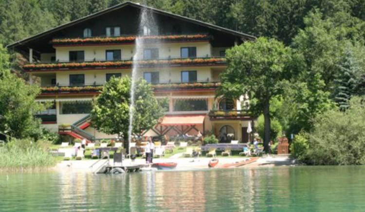Hotel Seewinkel & Castle by the lake (© Hotel Seewinkel & Seeschlössl)