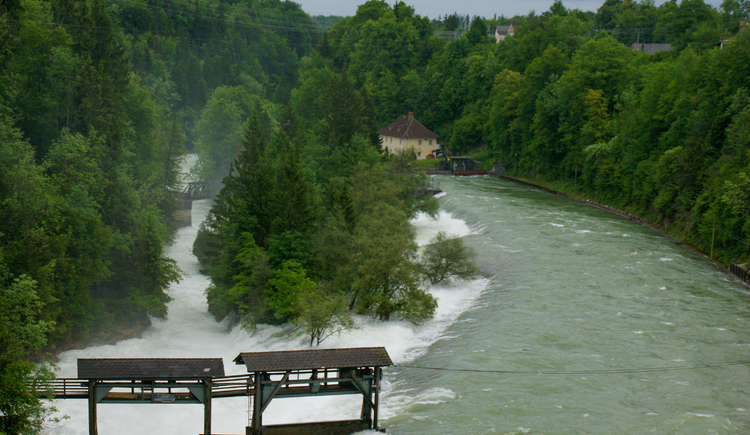 hochwasser-am-traunfall-2a