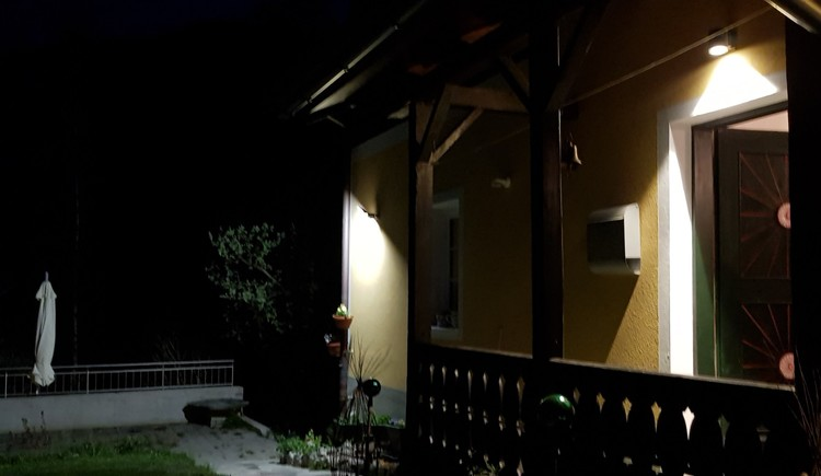 holiday house Kopriwa at night