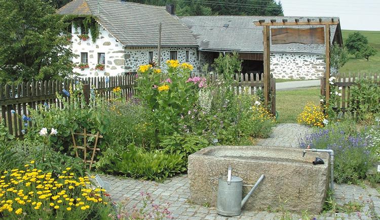 Bauernhaus mit Kräutergarten