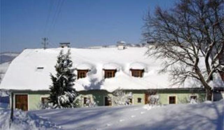 Hausansicht Winter (© Bauernhof Obere Wolfsgrub)