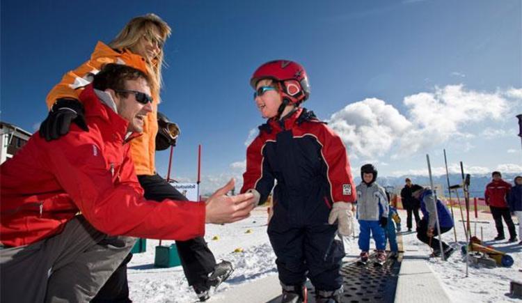 Kinder in der Skischule (© OÖ. Seilbahnholding)
