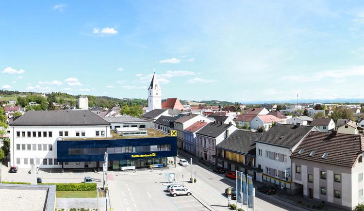 Panorama des Stadtzentrums von Westen aus betrachtet (April 2019). (© Boris Mitterlehner)