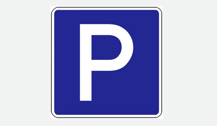 Verkehrsschild Parkplatz