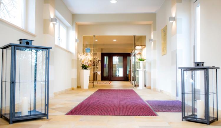 Herzliche willkommen im 4 Sterne Hotel Der Kaiserhof. (© Katharina Wisata / Elisabeth Poringer)