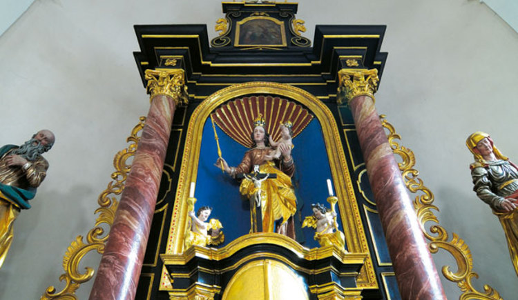 Kirche Neukirchen Altar