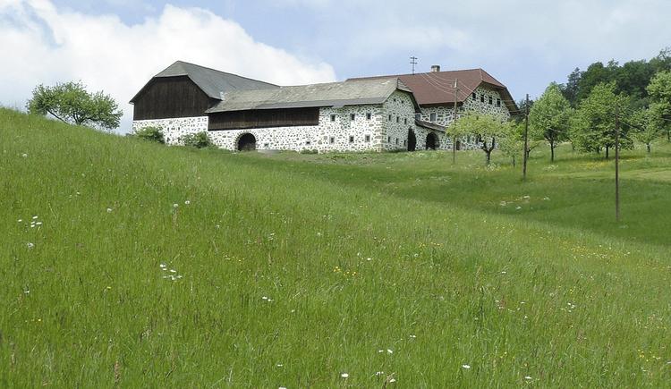 Steinbloßhof.