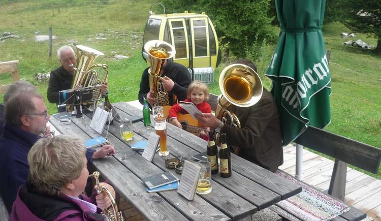 Feiern auf der Moosegghütte (© Fam. Rosenlechner)