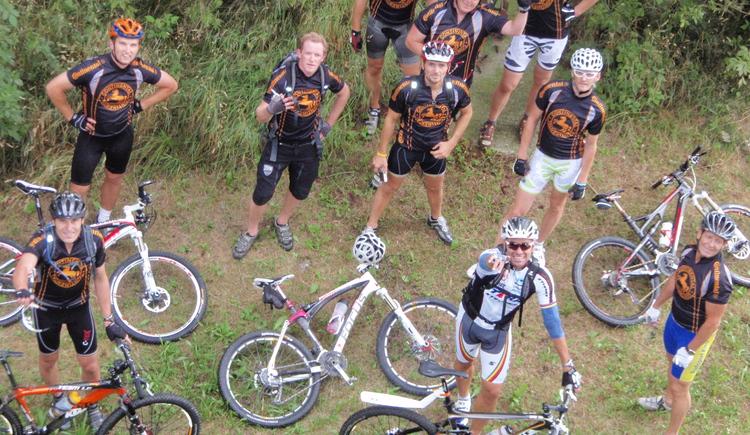 kurze Bike-Pause (© Ralf & Walter)