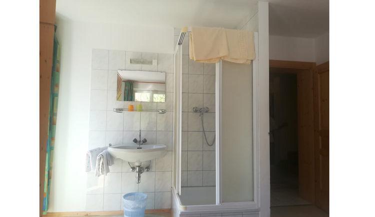 Dusche im Zimmer (© Sandra Mayr)