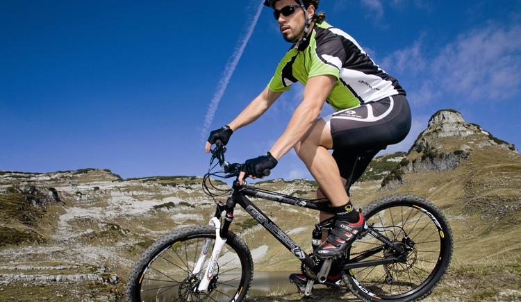 ntersport_Biker.TIF.jpeg (© Intersport Gmunden)