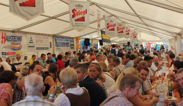 Musik, Kinderprogramm, drei Band drei Bühnen und vieles mehr steht auf dem jährlichen Programm des Attergauer Marktfestets in St. Georgen im Attergau. (© TVb Attergau)