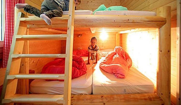Hirschalm Blockhaus_Bettenlager (© Foto Weihbold OÖ Tourismus)