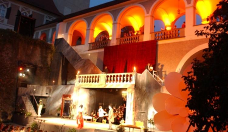 Schlossgraben_La Traviata (© Musikfestival Steyr_Markovski)