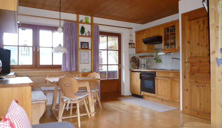 Very tastefully decorated with a lot of wood kitchen - fully equipped - with cozy dining area