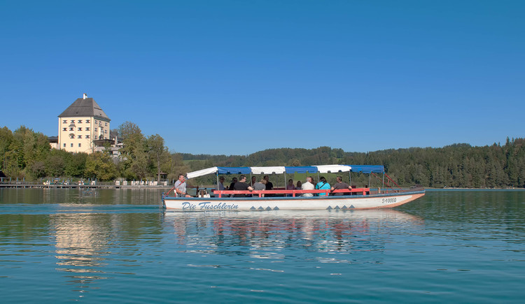 Boat cruis with the wooden boat called Zille on Lake Fuschlsee (© Tourismusverband Fuschl am See)