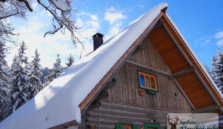 Der erste Schnee bei der Hütte. (© Jagdhaus Klaushofstube)