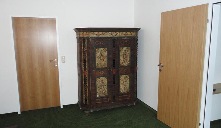 2-Räume mit Sitzgelegenheit