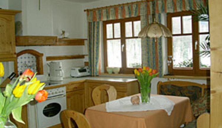 Ferienwohnung Pernecker Küche mit Essraum (© Ferienwohnung Pernecker)