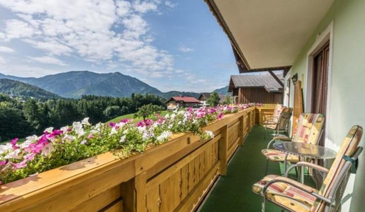 Balkon mit Ausblick (© Georg Strobl - TVB Fuschlseeregion)