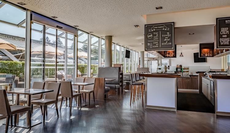 Kitchen & Bar at Courtyard (© © Kilian Blees)
