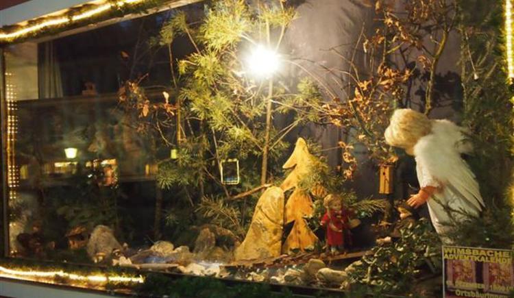 Krippe beim Adventskalender (© Marktgemeinde Bad Wimsbach-Neydharting)