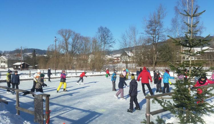 Eislaufbahn (© ASKÖ Sport- und Freizeitverein St. Oswald/Fr)