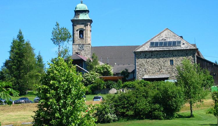 Bevor Sie die Grenze nach Deutschland überqueren kommen Sie in den lieblichen Ort Pfarrkirchen. (© Gemeinde Pfarrkirchen)