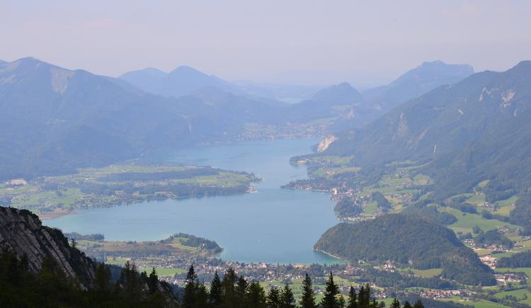 Fahren mit der Seilbahn oder zu Fuß in der Spitze der Katrin, Bad Ischls Hausberg, für einige wunderbare Aussicht