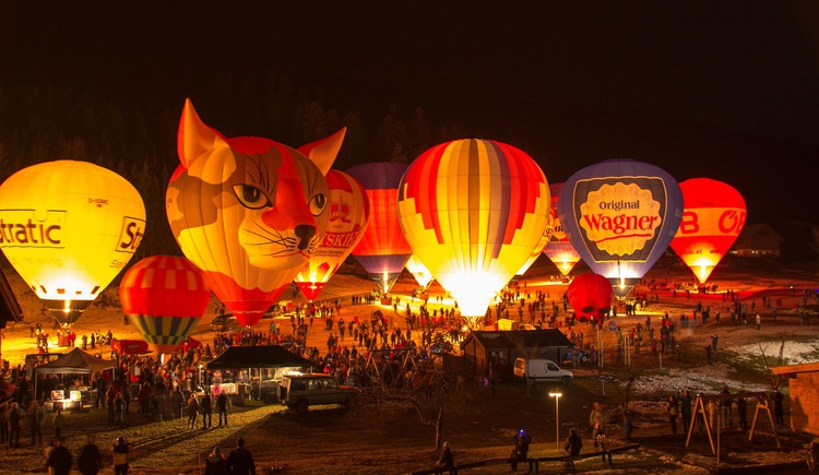 There is a hot air balloon festival every January in Gosau, beside the Vitalhotel. (© John Smith)