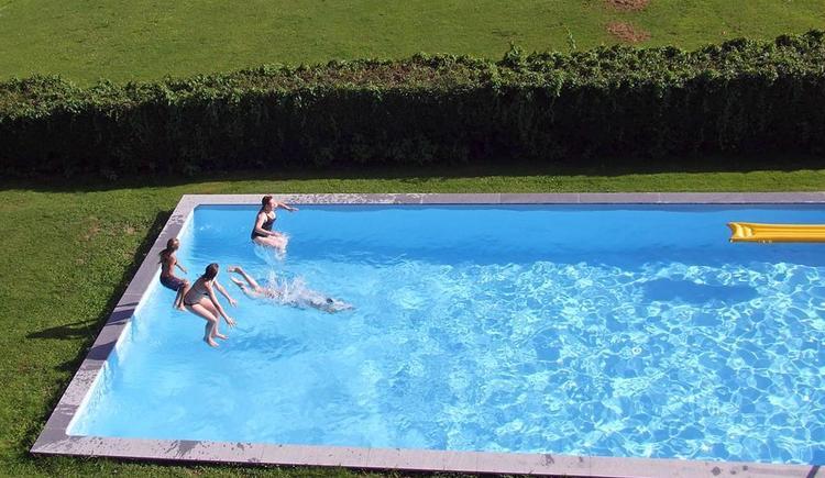 Sprung ins Wasser (© Privat)