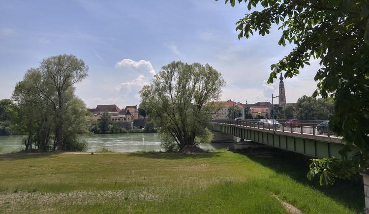 Blick von Simbach auf Braunau (© MP)