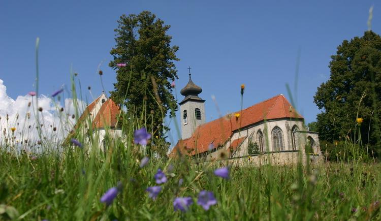 schöner Blick auf die Kirche(n) in St. Peter bei Freistadt. (© Touristik Mühlviertler Kernland)