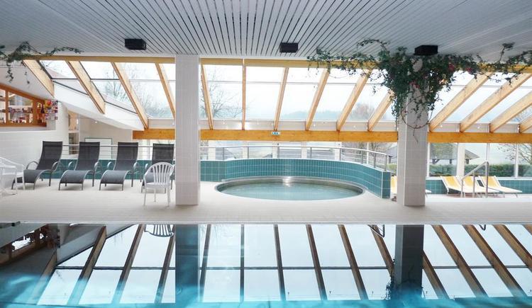Hallenbad im Gebäude nebenan (© Gemeinde Ulrichsberg)