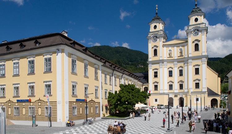 market place, Basilika St. Michael