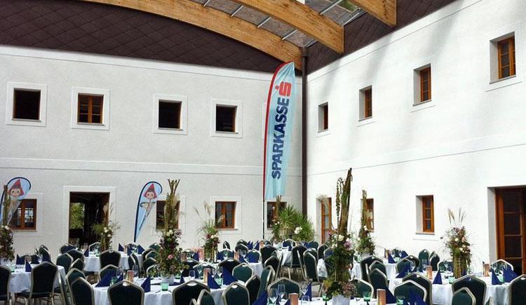Hof Groß Höllnberg in Vorchdorf im Almtal Innenhof