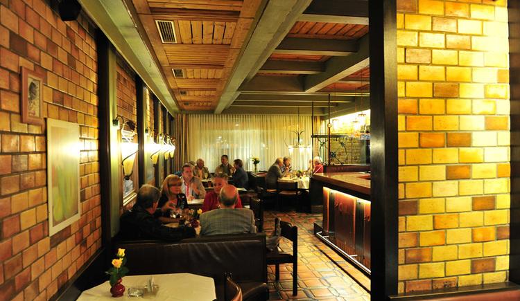 Hotel zum Goldenen Schiff, Gaststube. (© Brunner)