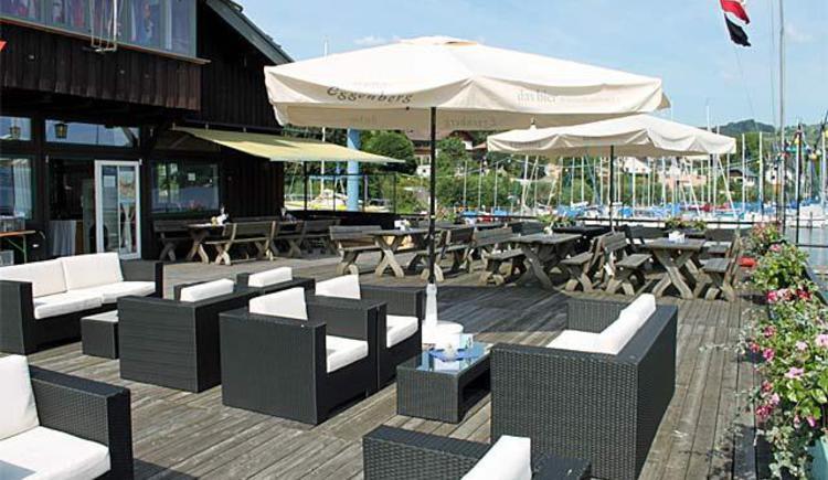 Club Buffet Segelclub Traunkirchen_Terrasse