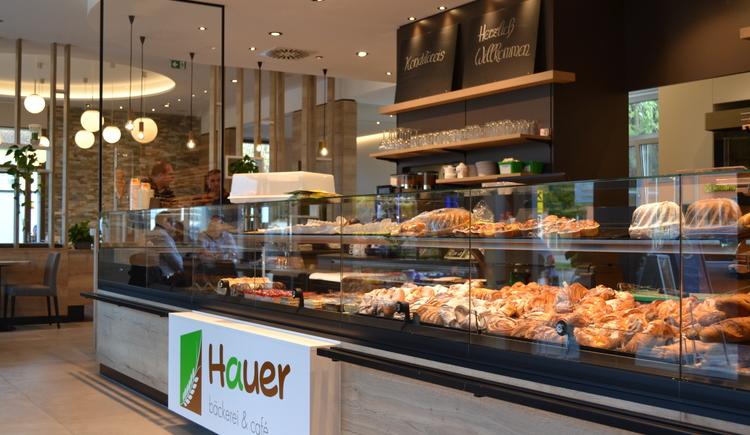 Verkaufstheke Bäckerei Hauer. (© Marktgemeinde St. Martin im Innkreis)