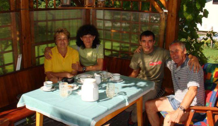 Der persönliche Kontakt zu den Gästen ist Familie Grill sehr wichtig - man fühlt sich wie zu Hause